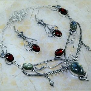 Labradorite, Garnet Silver Necklace and Earrings.